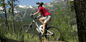 Memilih safety gear untuk hobi sepeda gunung