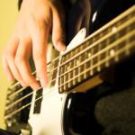 3 Jenis Gitar Bass yang Perlu Kamu Tahu