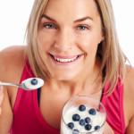 Kesalahan Perempuan Saat Mengonsumsi Yogurt